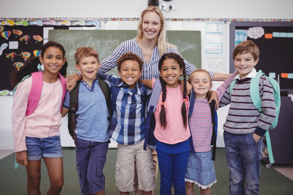 teachers with elementary students